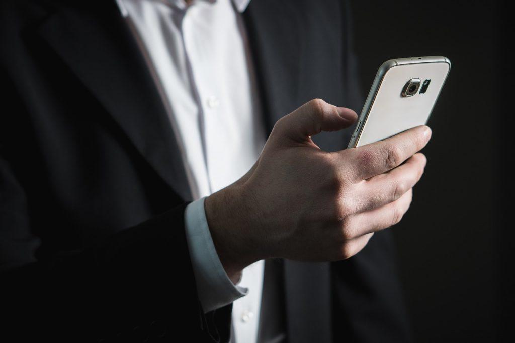 smartphone-multitasking-grouve