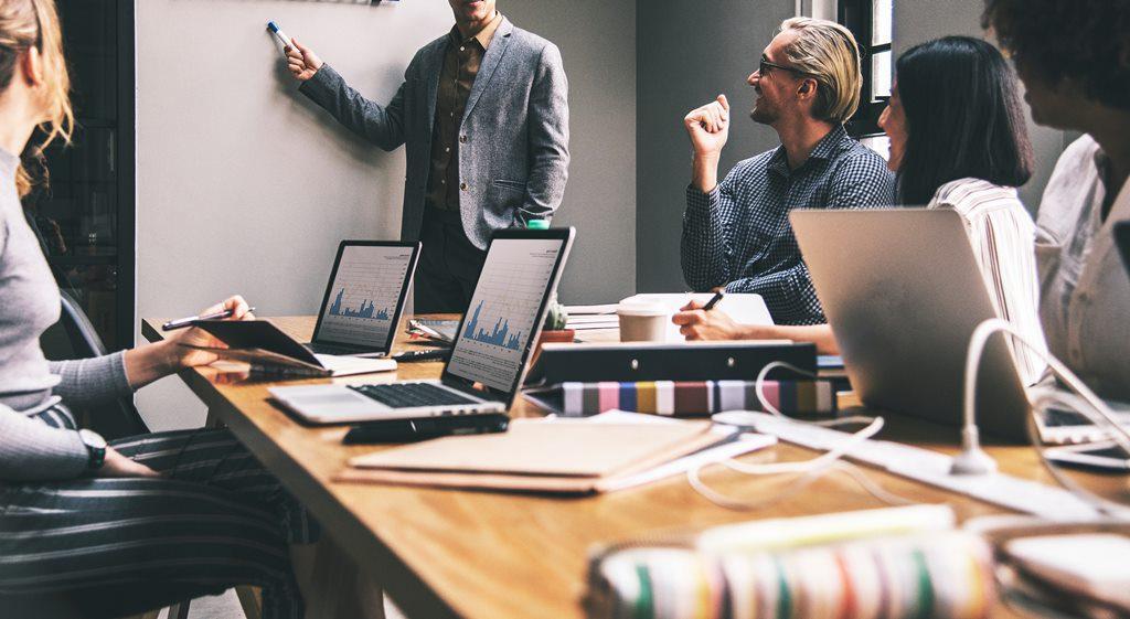 manieren hoe medewerkers kunnen helpen