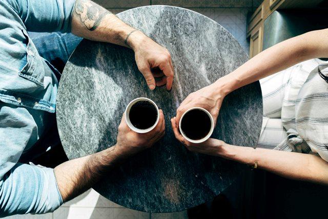 Voorkom eenzaamheid op de werkvloer met peer-coaching